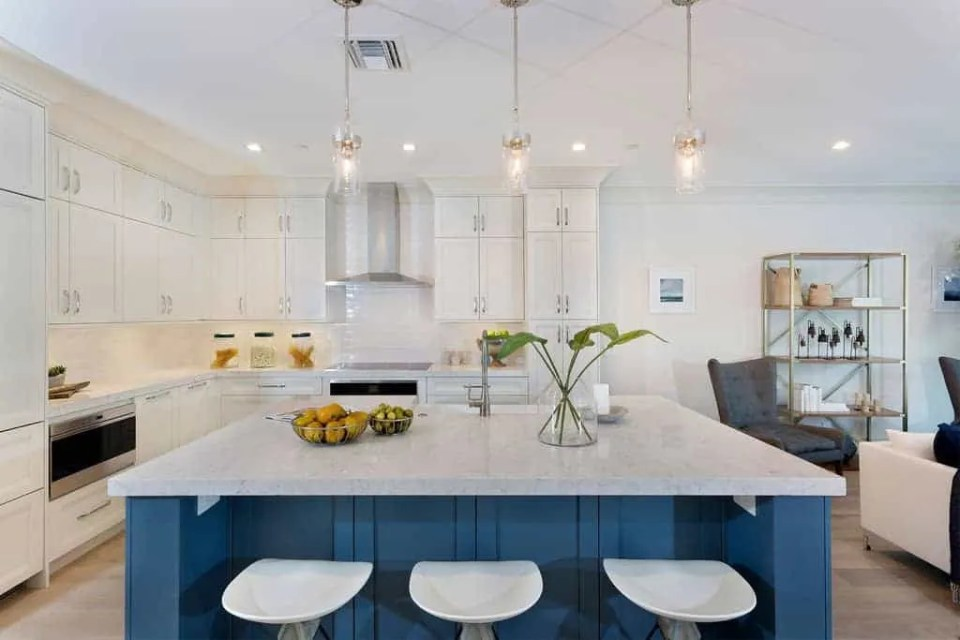Island Contemporary Coastal Kitchen - Blue Island - Beach House Kitchen Ideas