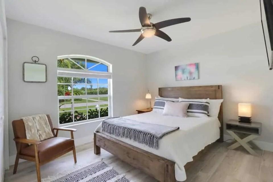 The Bent Palm Jupiter FL AirBnb Guest Bedroom