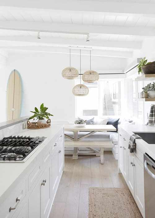 Beach house kitchen ideas - Upscale surf style