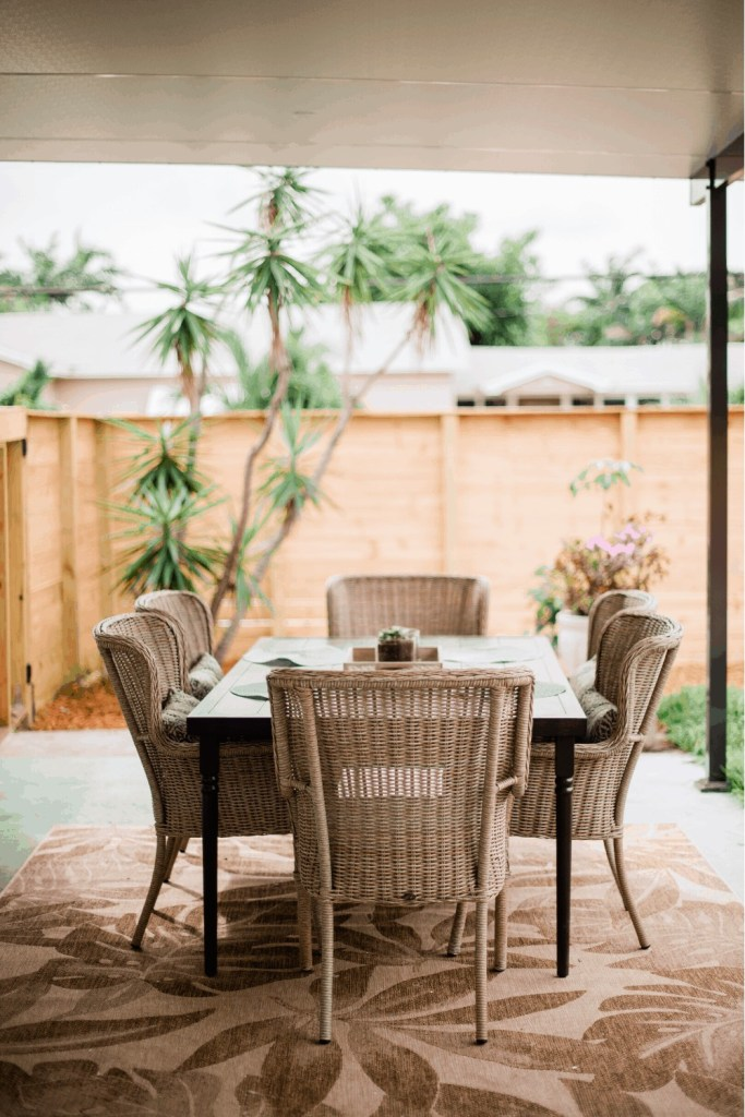 Backyard makeover - Simple outdoor seating area