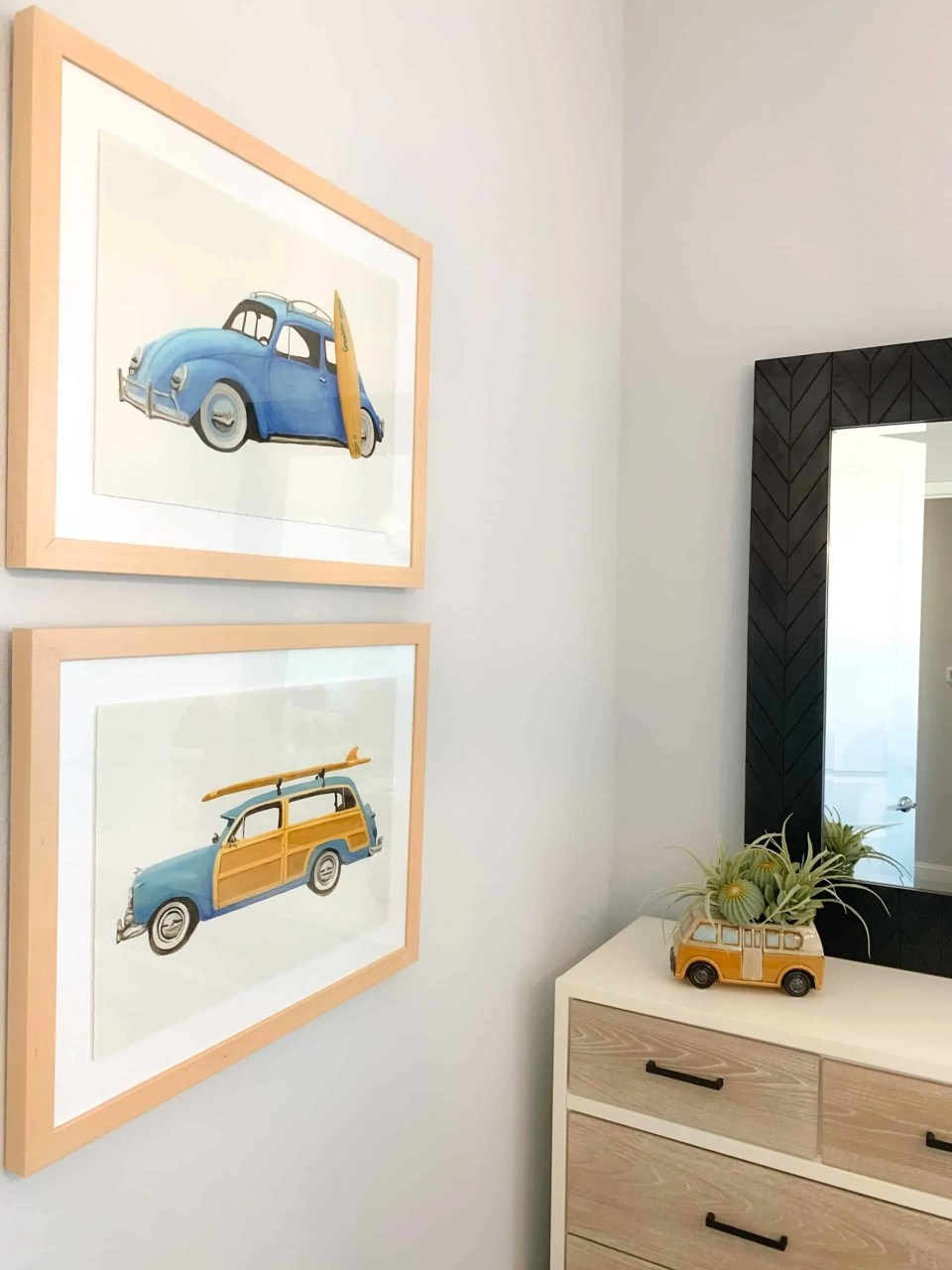 Car prints for boys bedroom