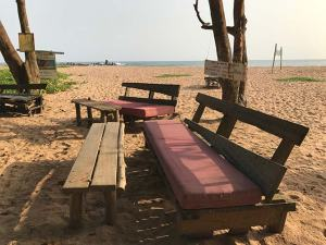 Chill-out by the beach at Escape3Points Ecolodge Ghana