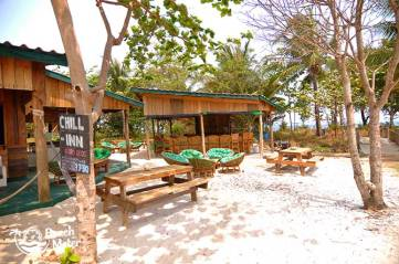 Chill Inn at M'Pay Bay Village, Koh Rong Samloem in Cambodia. © Beachmeter.com