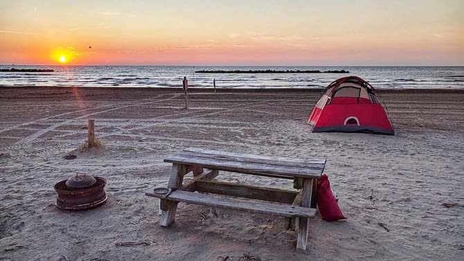 Grand Isle State Park beach tent, Lousiana