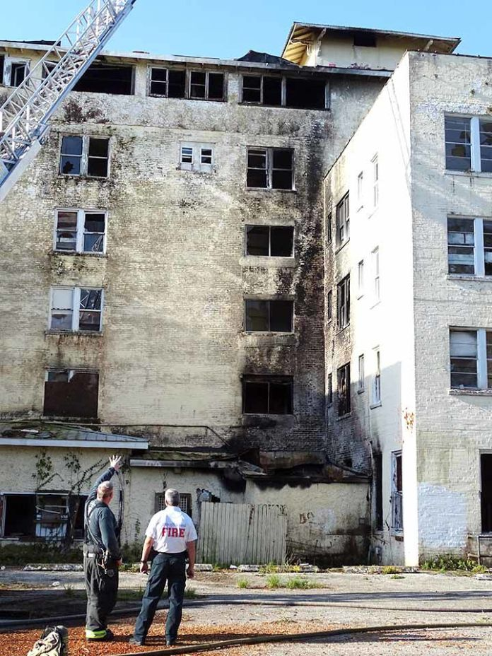 Fire breaks out at Hotel Putnam