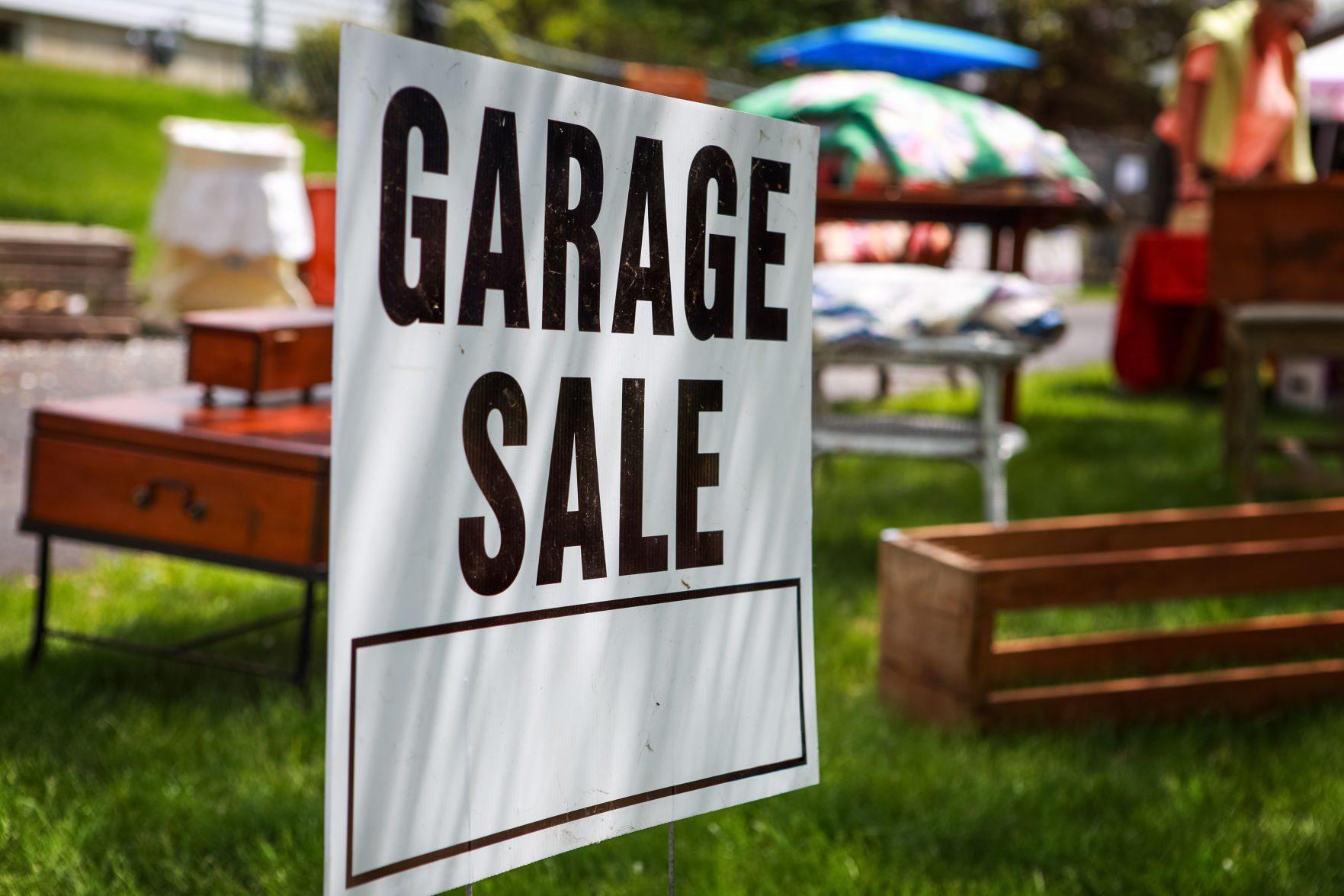 Deltona set to control yard sales