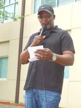 <p><p>Pastor William Bradley.</p></p><p></p>