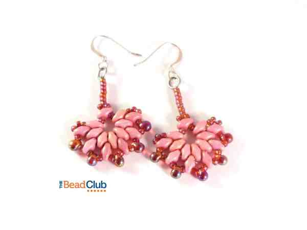 Use SuperDuo beads to create this elegant pair of fan-shaped earrings. The edge of each of the Fantail Earrings is accented with drop beads.