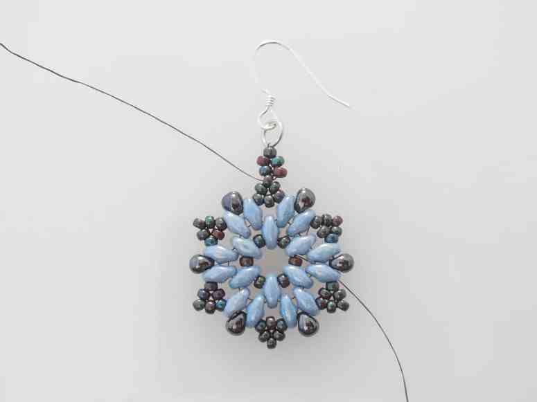 Free Beaded Christmas Earrings- Snowflake Earrings Pattern by The Bead Club Lounge