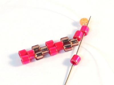 Easy Peyote Bracelet Pattern for beginners Step 7