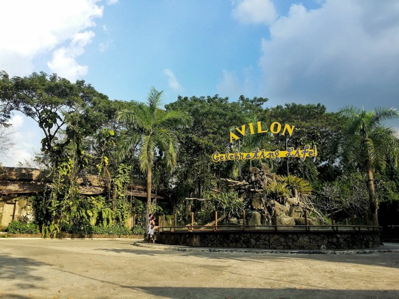 the entrance of avilon zoo in montalban rizal