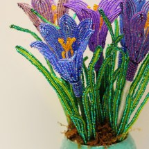How to make French beaded flowers: crocus