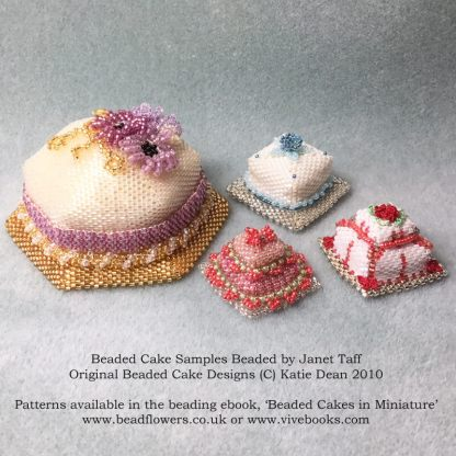 Beaded Cakes in Miniature, patterns by Katie Dean, from the ebook, available at beadflowers.co.uk or vivebooks.com