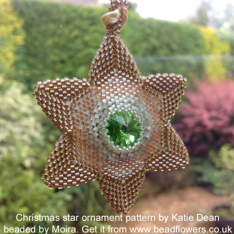 Christmas star ornament beading pattern by Katie Dean. Peyote stitch beading project.