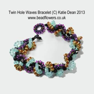 Twin Hole Beads Bracelet Wave Pattern