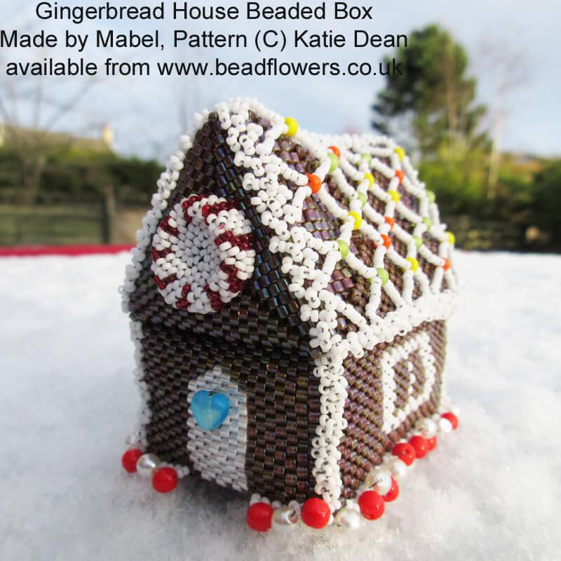 Gingerbread house beaded box