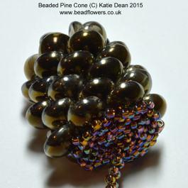 Beaded pine cone pattern, Katie Dean, Beadflowers