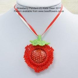 Strawberry Pendant Beading Pattern