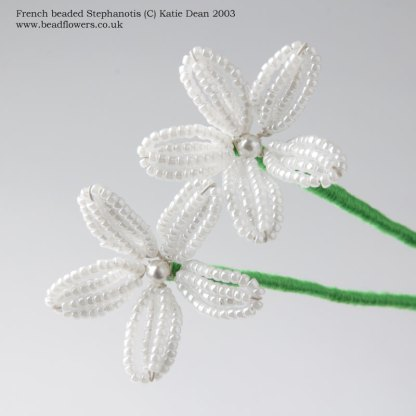 French beaded Stephanotis tutorial, pattern by Katie Dean, Beadflowers