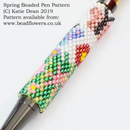 Spring beaded pen pattern