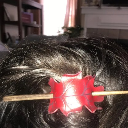 red oak leaf hair slide