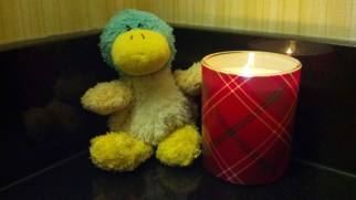 Festive Candle Guck