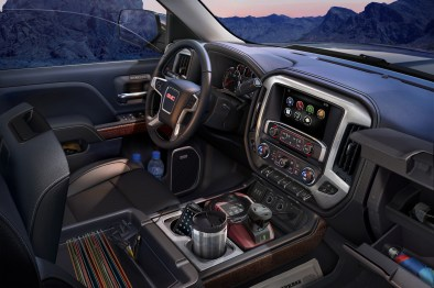2015 GMC Sierra SLT Interior detail