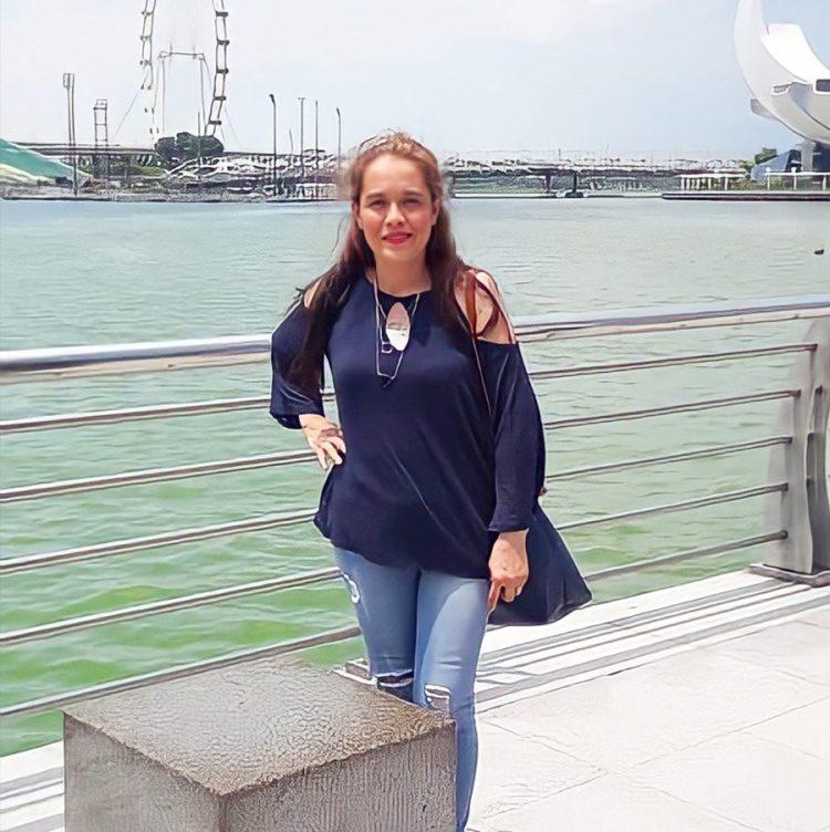 Female OFW in Singapore