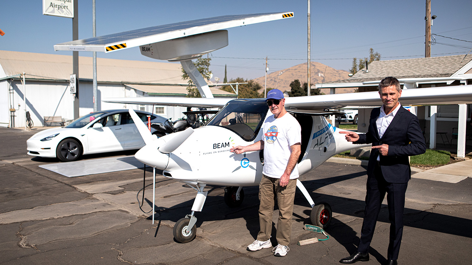 Beam-CEO and Pilot by Pipistrel-Flying on Sunshine