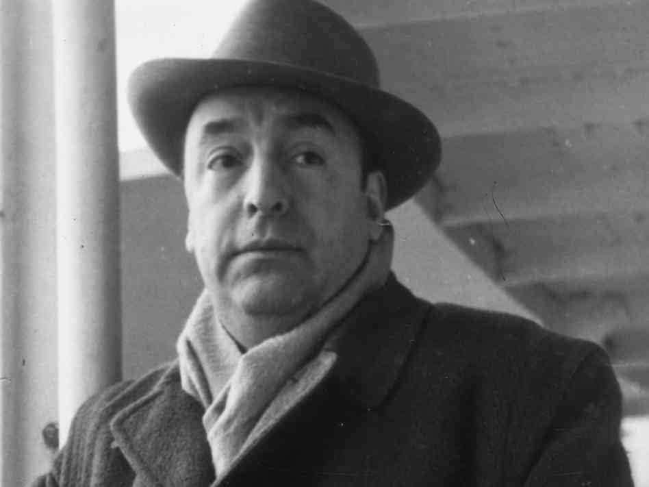 Walking Around Analysis by Pablo Neruda