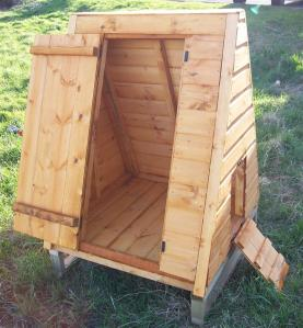 FURLAND GOOSE PEN 12X12 WITH HOUSE