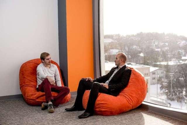 ghe-luoi-quan-11-3 Mua ghế lười Quận 11 và điều tạo nên sự bất ngờ cho giới văn phòng