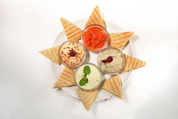 Vegan food: Hummus Platter at Bean Me Up, Vegan Restaurant in Goa.