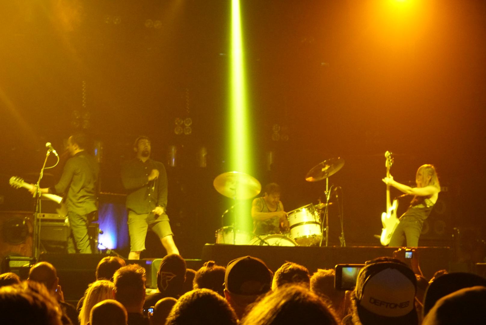 Spotlights Deftones