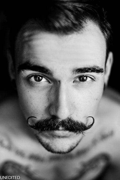handlebar mustache for men