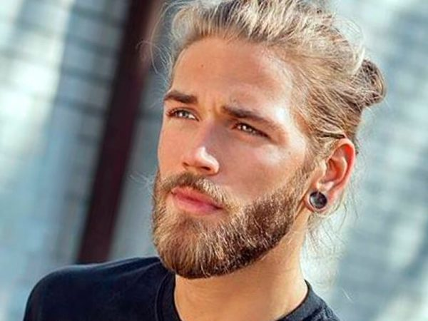 Short and Perfectly Groomed blonde beard styles