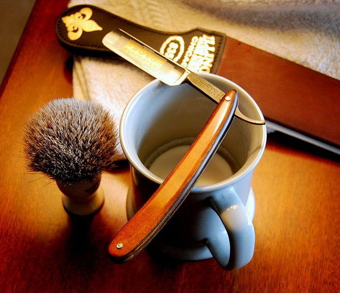 tools for shaving with a straight razor