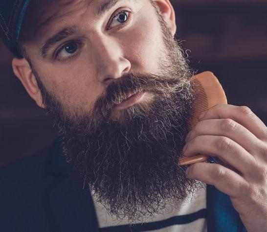 combing curly beard