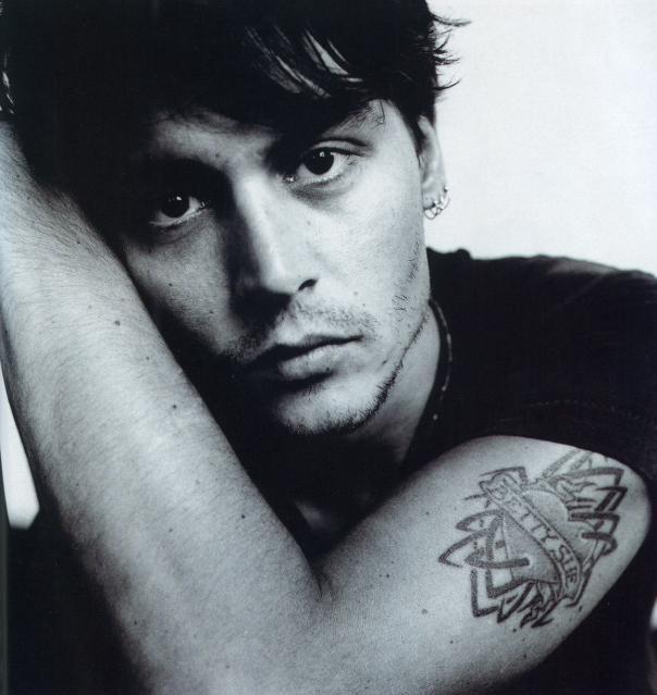 Johnny Depp's Medium Patchy Stubble