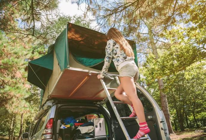 Why You Should Get a Camping Lab Roof Top Tent and How to Choose the Best 4