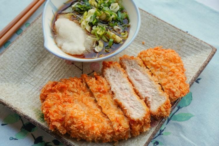 三民區美食-名古屋豬排金鯱家,廚師畢業於日本取得日本廚師執照,不必飛日本也能吃到八丁味噌豬排