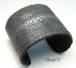 bracelet galuchat noir poncé