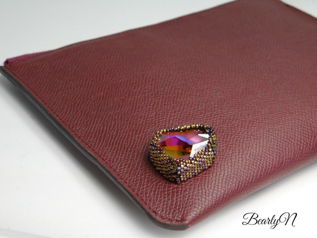 BearlyN détail-broderie-cabochon-1024x768