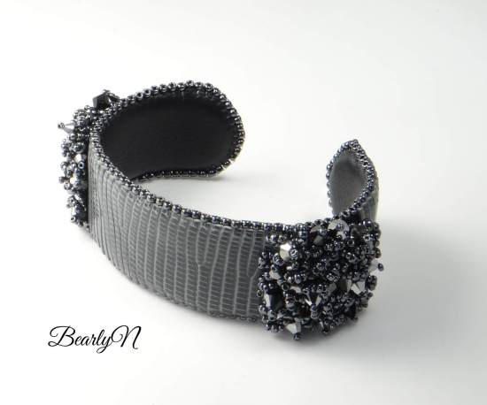 Bracelet cuir de lézard brodé_BearlyN