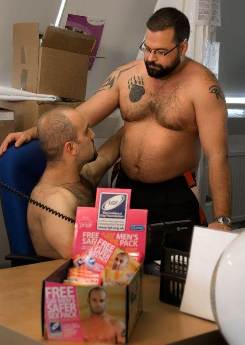 office-britains-next-bear-model-005