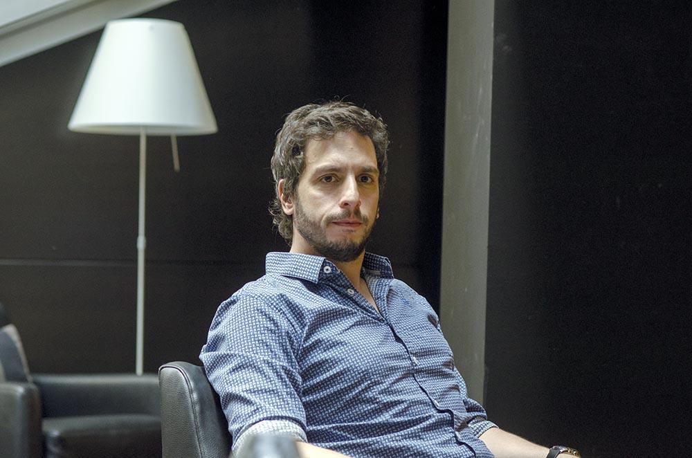 """Federico Axat: """"El thriller es como el juego de ajedrez donde el autor debe ir dos o tres jugadas por delante del lector""""."""