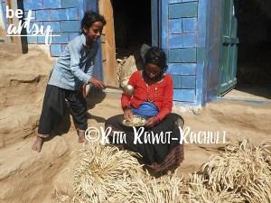 Rita Rawut-Rachuli-somebody-give-food-outside-cowshed-