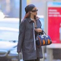 Rihanna walks barefoot on the streets of New York (Photos)