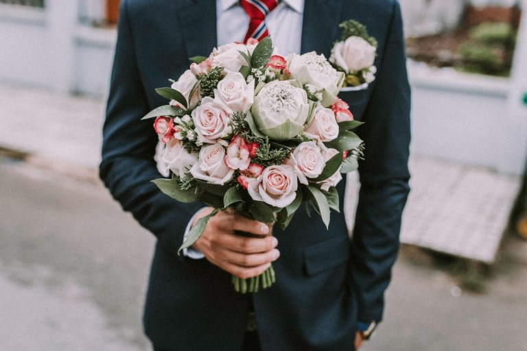 Ways To Choose The Perfect Flower Bouquet For A Date Night