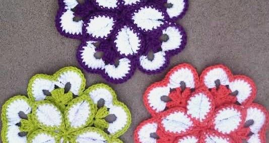 Monday Makings ~ Crochet Flower Potholder Review!